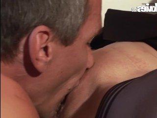 Зрелая пара занимается сексом, которого так давно не было
