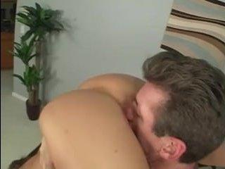 Мама лижет очко мужику после чего получает трах
