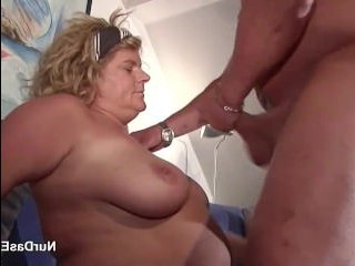 Жесткое порно: зрелые трахаются в разных позах