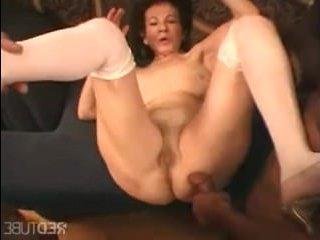 Групповое порно с бабушками в развратной одежде