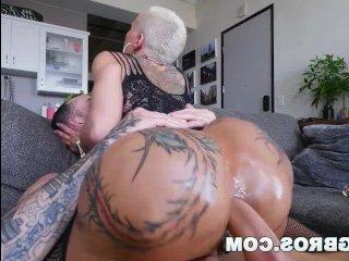 Порно в анал ебут блондинку, а она просит еще