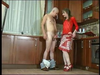 Русский домашний секс мамаши со своим сынком