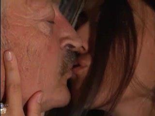 Богатый самец обожает секс с молодыми в чулках