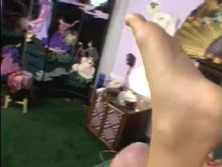 Красивая блондинка с большими сиськами была оттрахана в разных позах