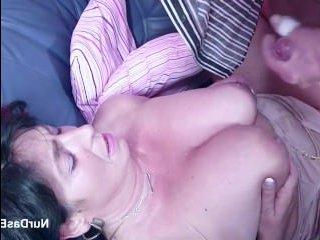 Порно со зрелыми толстушками: взрослый трахнул мамку на кастинге