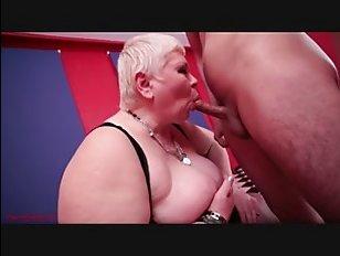 Порно с толстыми мамками и молодыми любовниками
