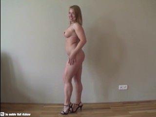 Симпатичная женщина попала на порно кастинг зрелых дам